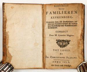 Voorblad van het exemplaar van de eerste druk dat verworven werd door de KU Leuven